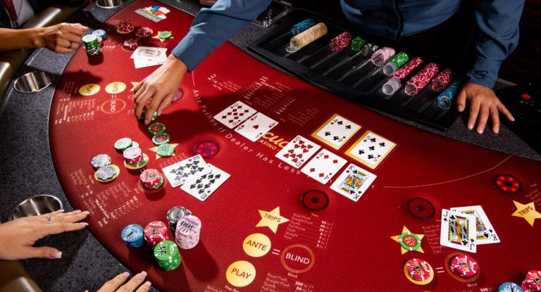 Жизнь как техасский покер